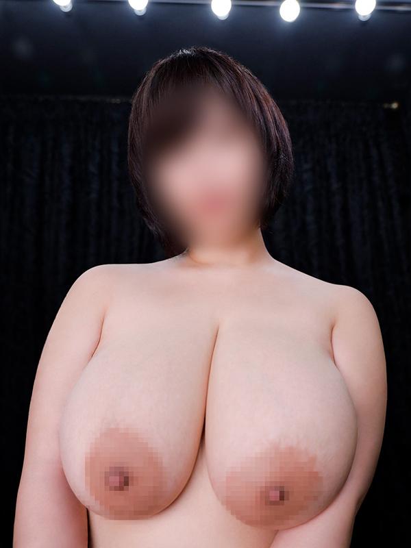 新宿巨乳痴女デリヘル BIG TITS MIKOTO