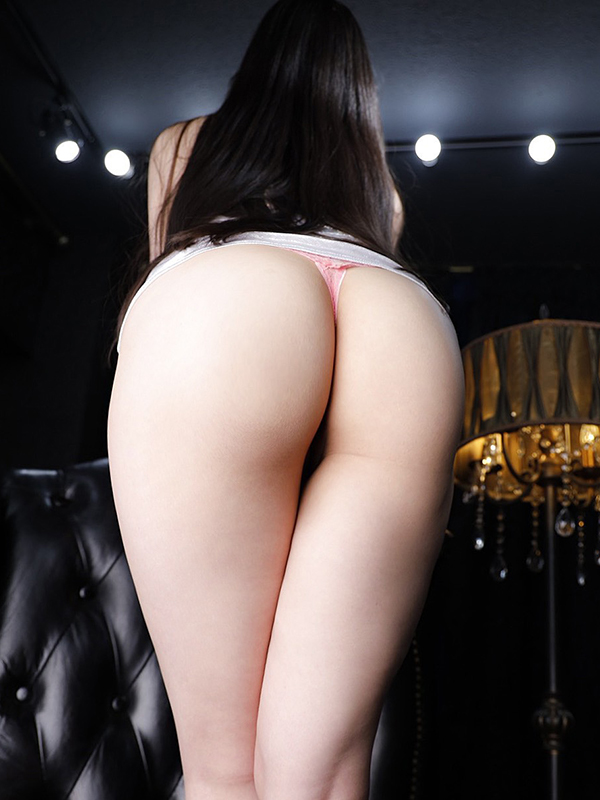 新宿巨乳痴女デリヘル BIG TITS SARA